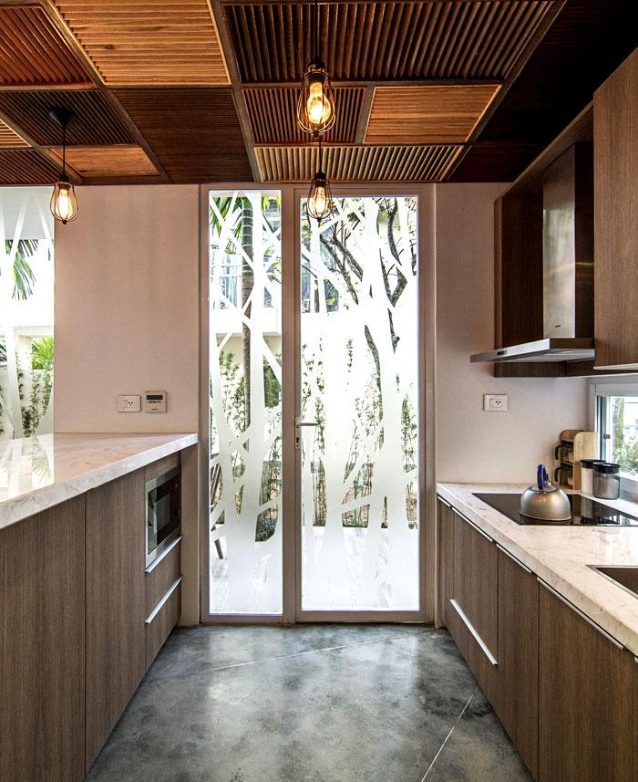 elegant-finishing-kitchen-interior