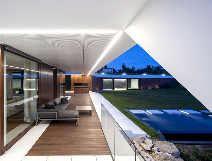 family-home-edge-house-1