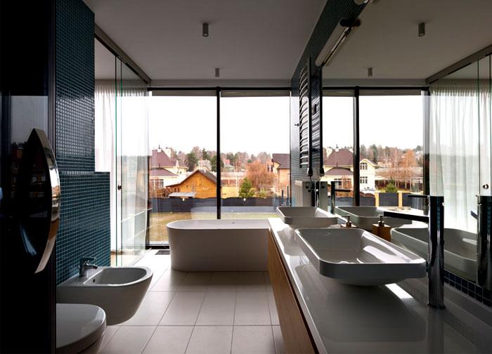 floor-to-ceiling-windows-bathroom