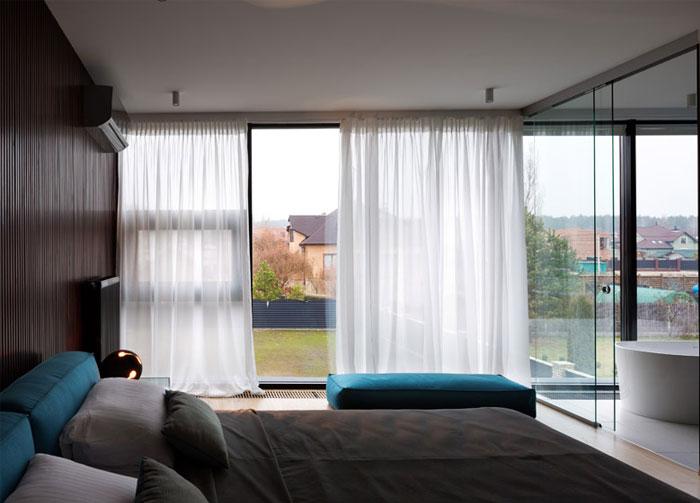 floor-to-ceiling-windows-bedroom