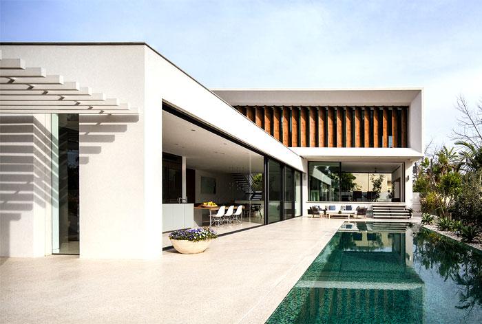 mediterranean-style-villa-pool-area-3