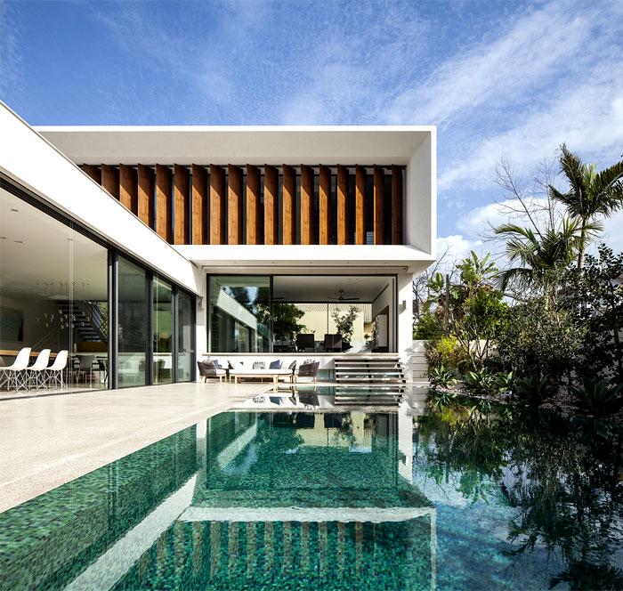 mediterranean-style-villa-pool-area