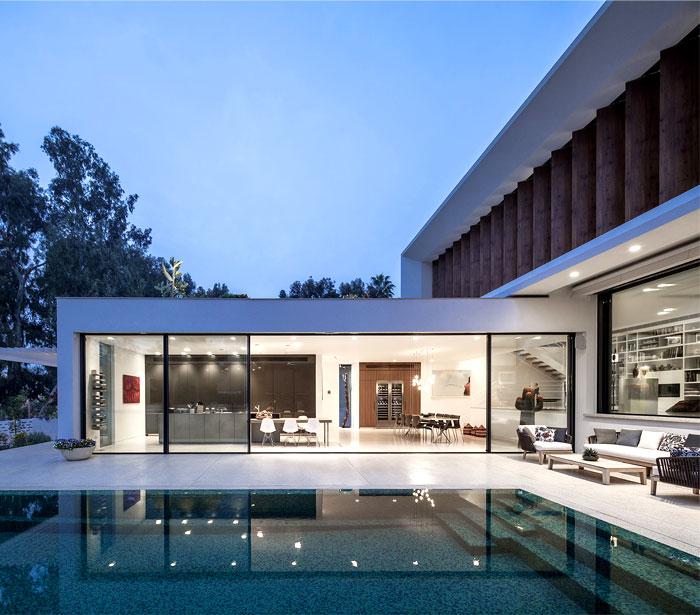 mediterranean-style-villa
