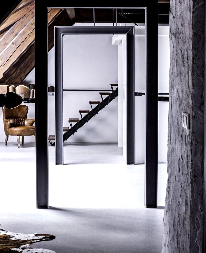 steel-frames-doorways