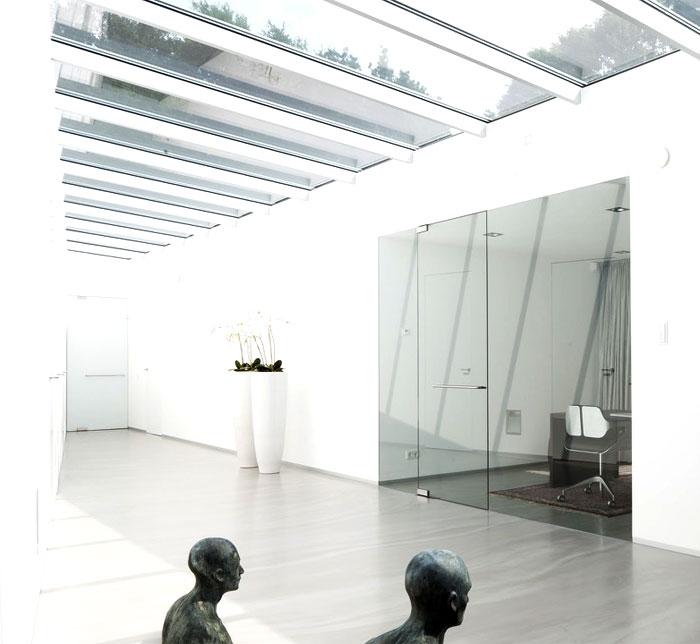 white-plastering-aluminum-framing