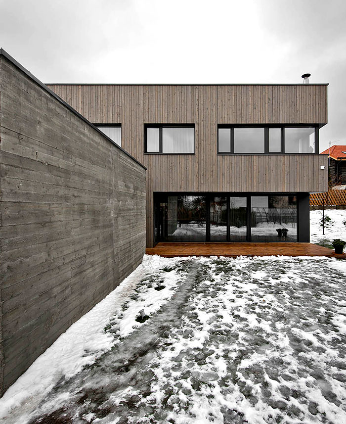wood-clad-two-storey-detached-house-1