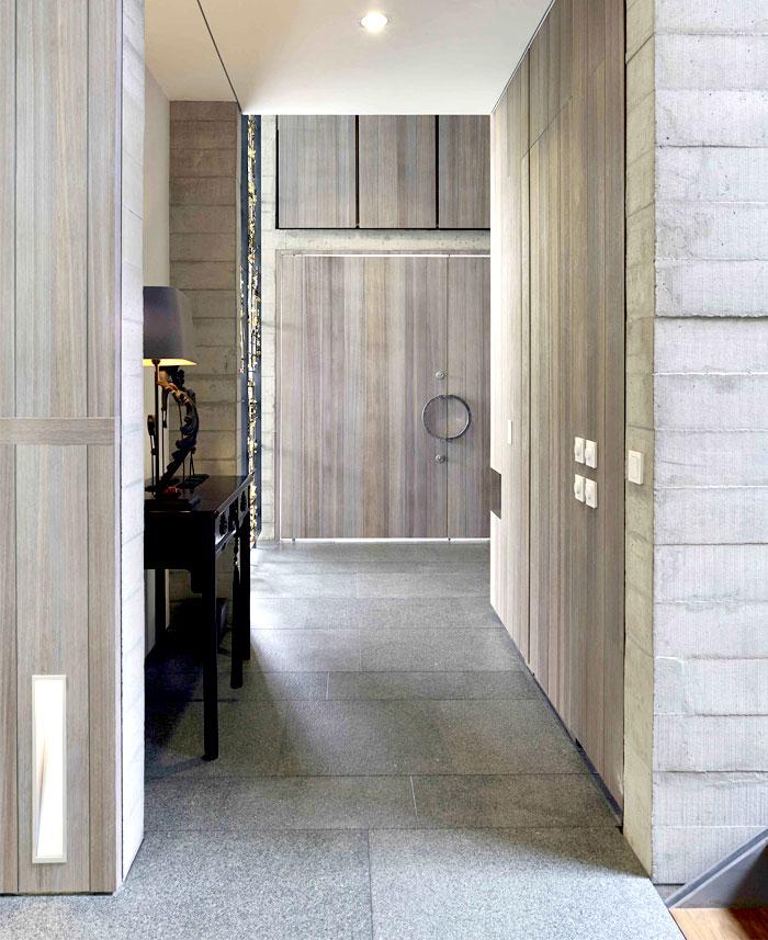 exposed-concrete-walls