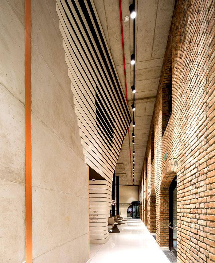 hotel-futuristic-structures-3