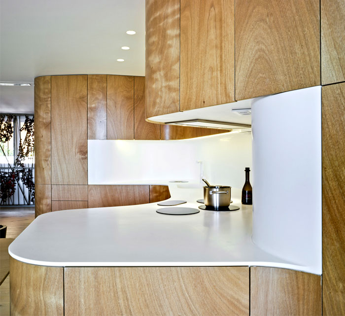 light-wood-curved-kitchen-2