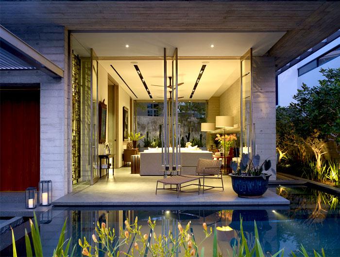 pool-vital-tropical-greenery