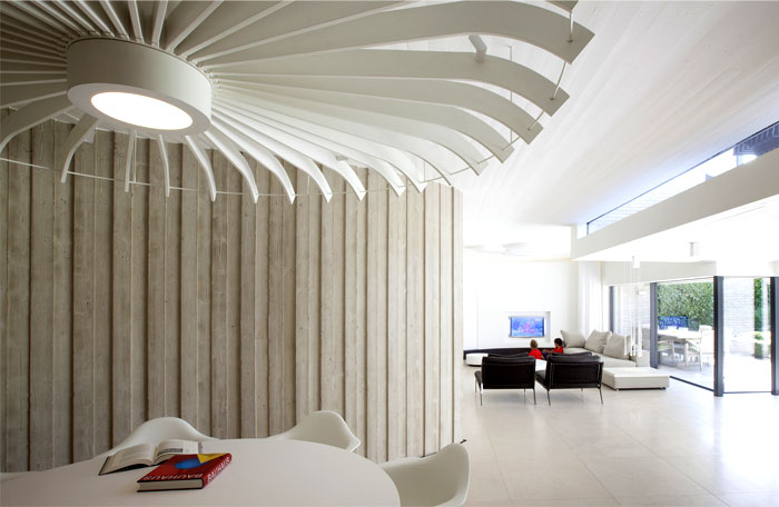 smoothly-curved-space-dining-room-2