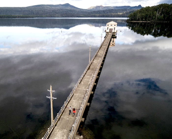 amazing-location-unusual-guesthouse-pumphouse-point-1