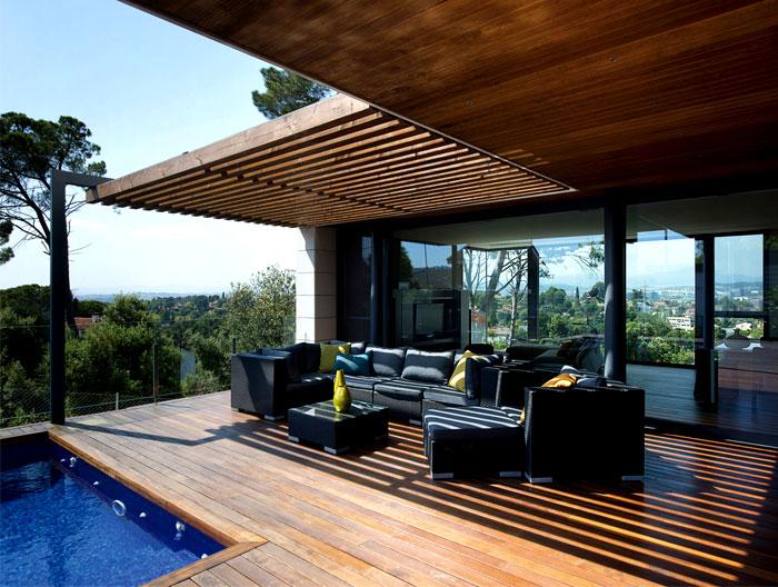 functional-modern-dwelling-outdoor