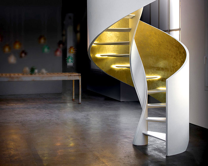 helical-staircase-rizzi-scale-gold-finishes-4