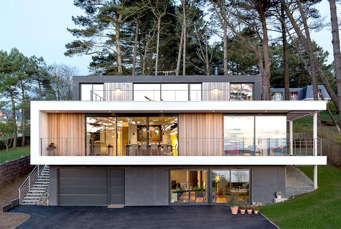 minimalistic-cubical-three-floor-house-12