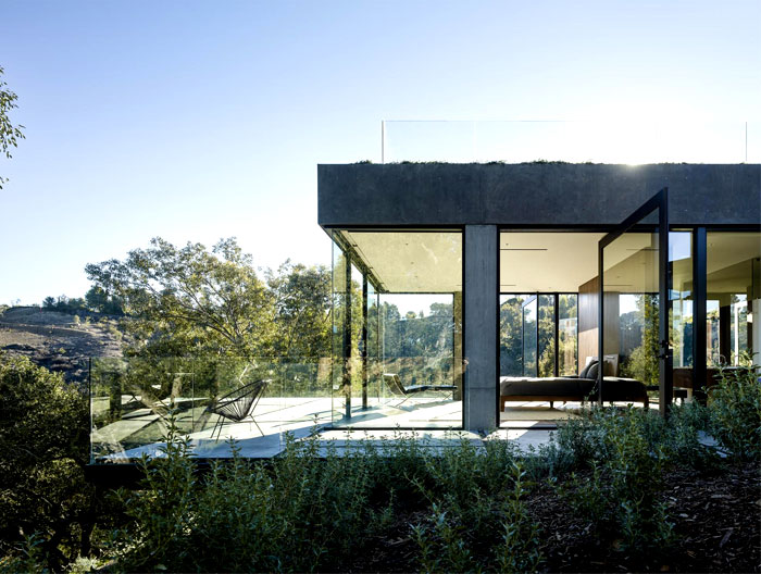 contemporary-property-located-beverly-hills-5