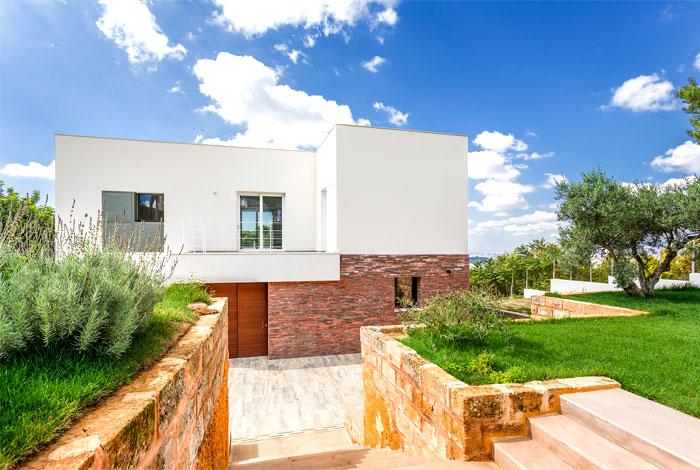 courtyard-house-lithos-design-1