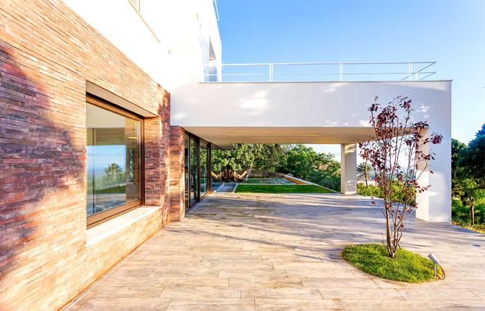 courtyard-house-lithos-design-9
