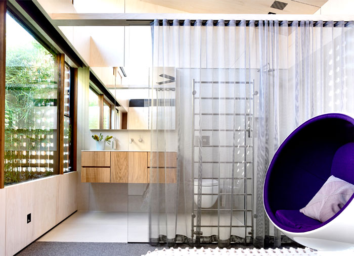 house-4a-beach-avenue-bathroom