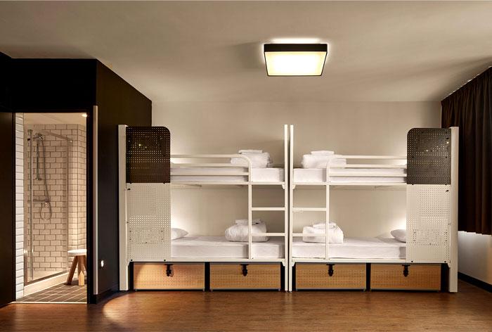 inviting-warm-charming-bedroom-decor-3