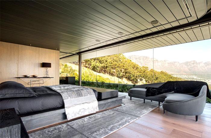 romantic-mansion-bedroom