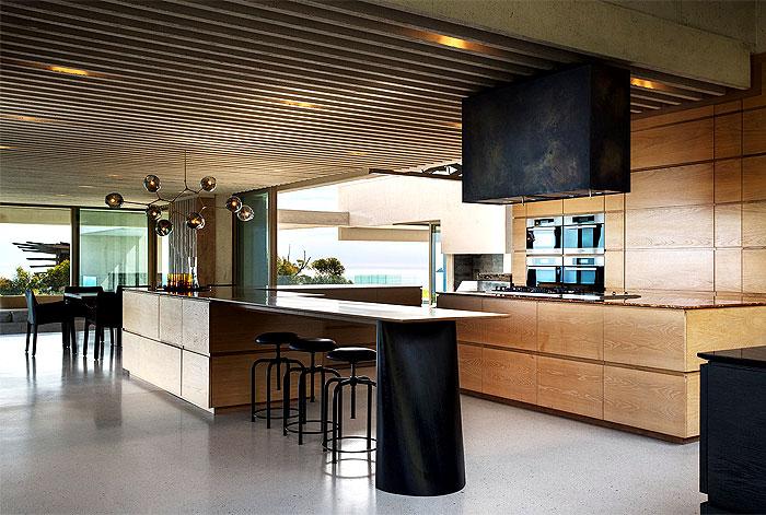 romantic-mansion-kitchen