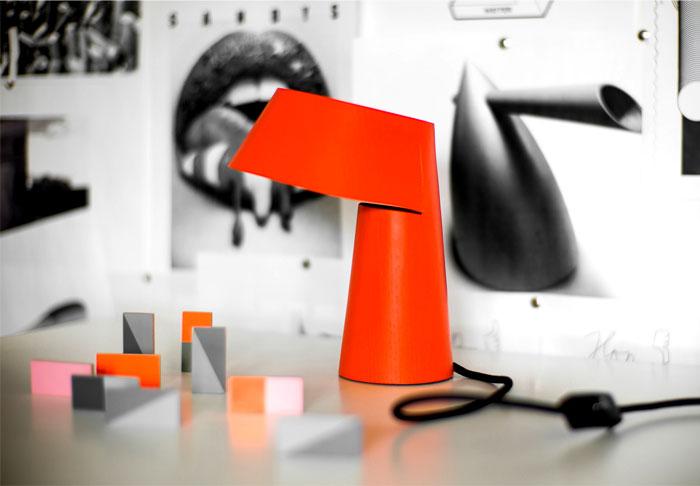 little-p-table-lamp-1