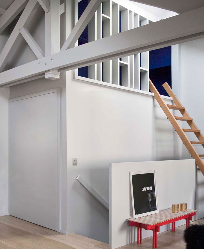 stylish-studio-apartment-paris-7
