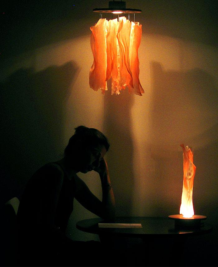 undulae-lamps-bioplastic-tubes-8