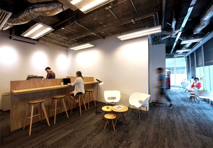 Leo burnett hq one truly modern urban workspace for Buro interior