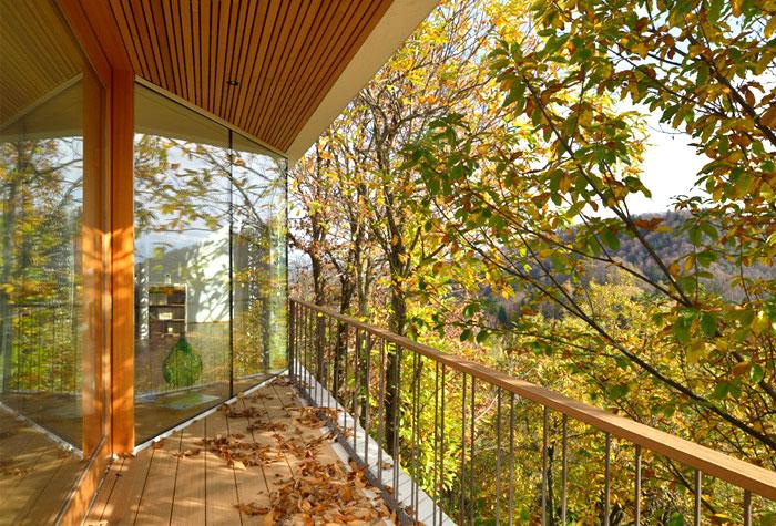 multiplan-architects-elegant-house-modern-life-serenity-nature-12
