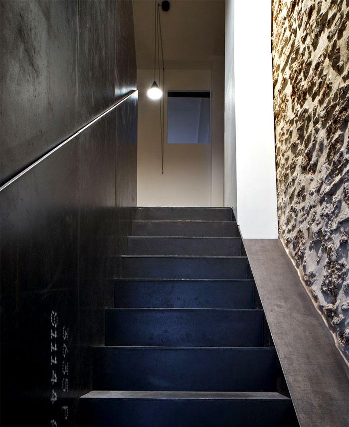 parisian-apartment-cut-architects-14