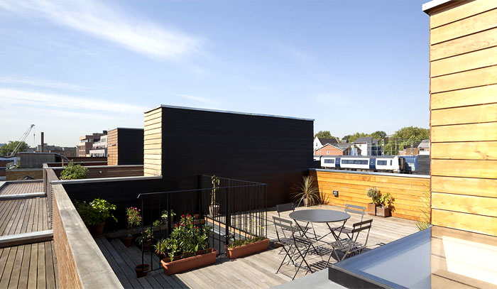 roof-terrace-natural-wooden-cladding-house-3