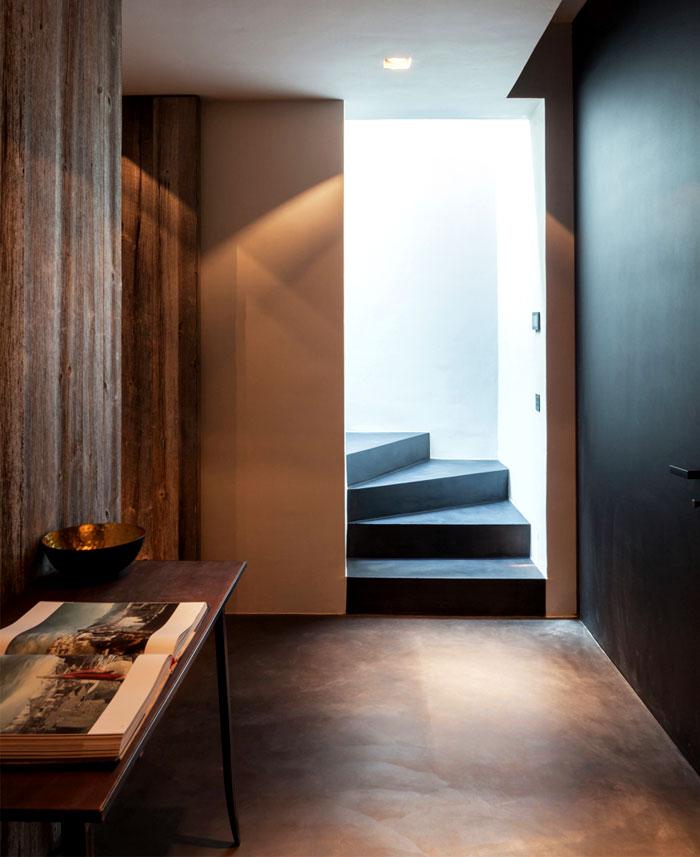 barn-wood-glass-cubicles-house-14