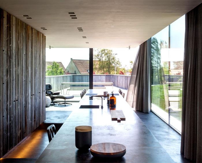 barn-wood-glass-cubicles-house-8