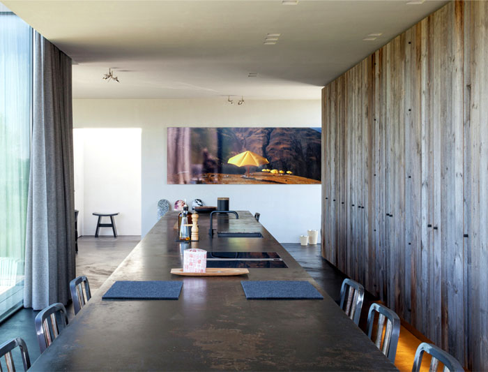 barn-wood-glass-cubicles-house