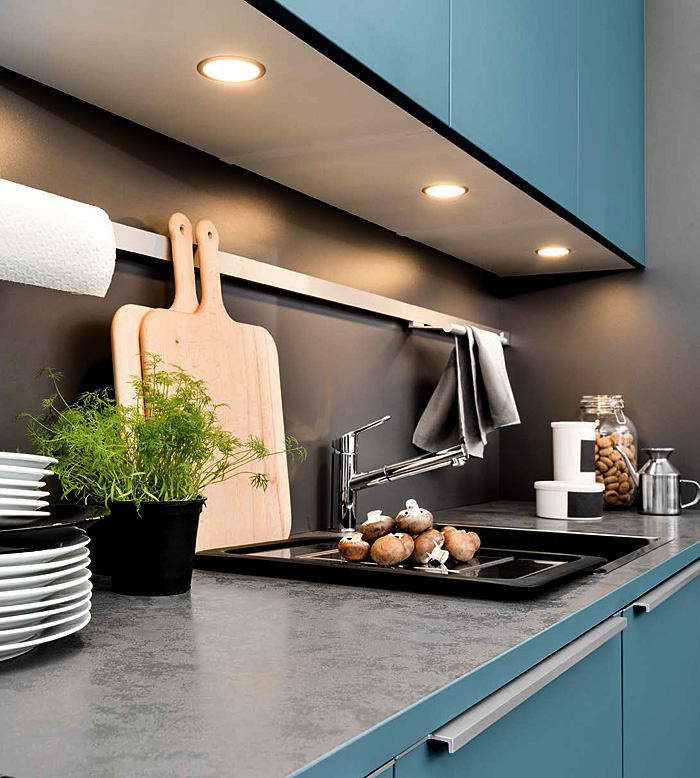 What are the best colors for kitchen cabinets this season?