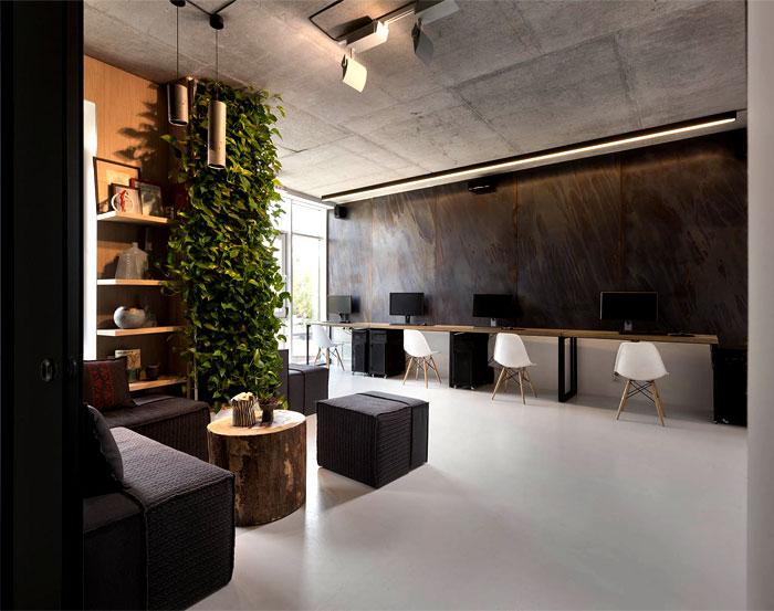 modern-office-located-kiev-8