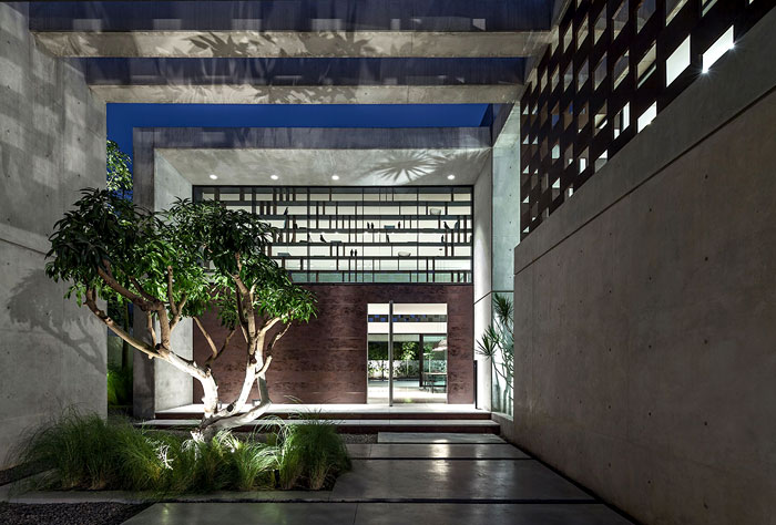 israeli-studio-pitsou-kedem-corten-house-13