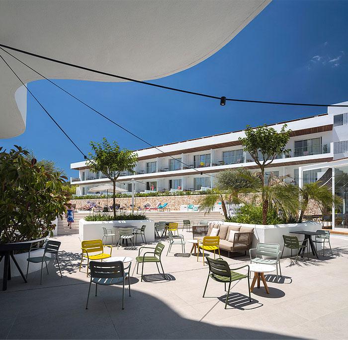 hotel-cala-esmeralda-isabel-lopez-vilalta-1