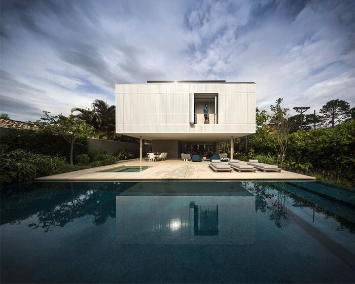 Modern Tropical Minimalist House By Studio Mk27 Interiorzine