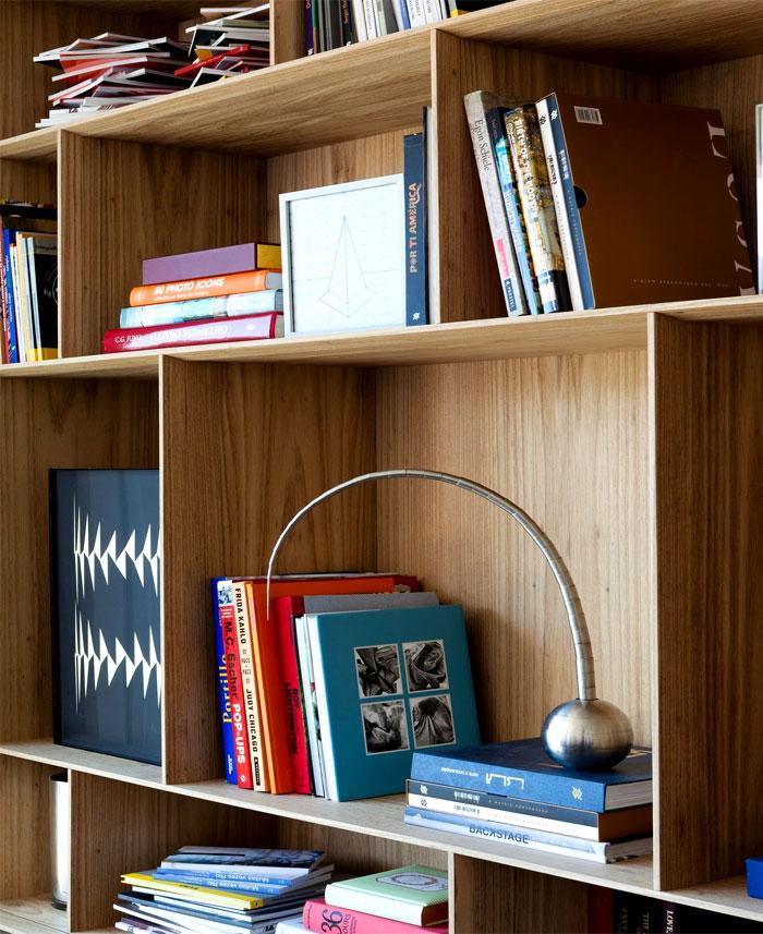 modernistic-furniture-shining-surfaces-home-rio-de-janeiro-4