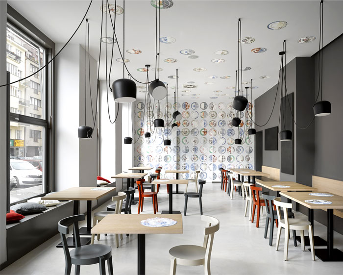 Bistro decor provokes the young spirit and creativity