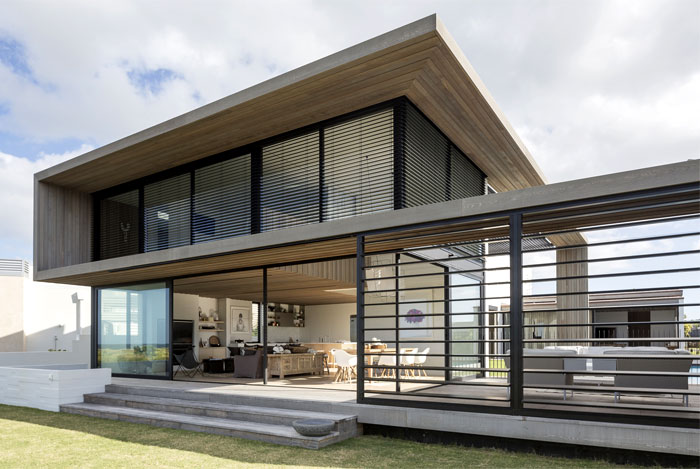 family-vacation-home-new-zealand-2
