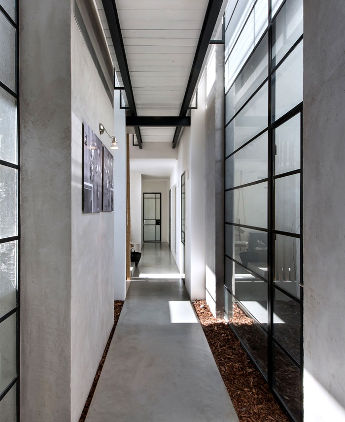 l-shaped-house-functional-interior-18