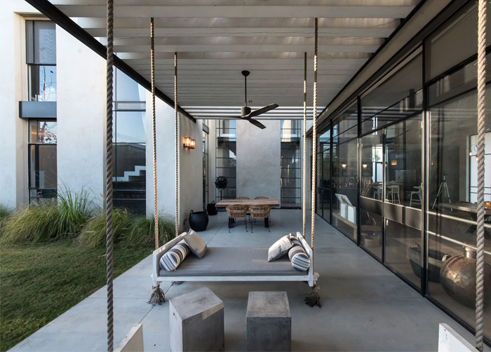 l-shaped-house-functional-interior-29