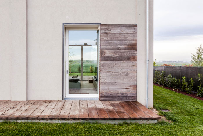 renewed-barn-house-italy-16