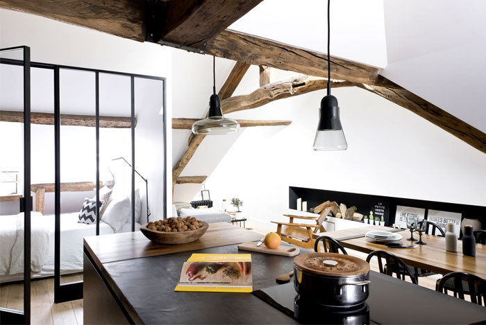 loft-paris-exposed-wooden-beams-3