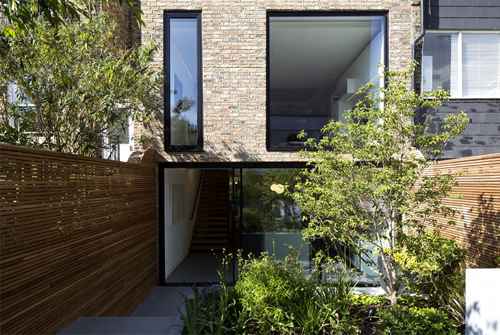 re-designing-classic-brownstone-house-london-26