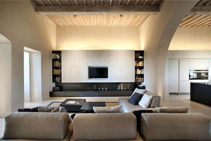 historic-italian-villa-12